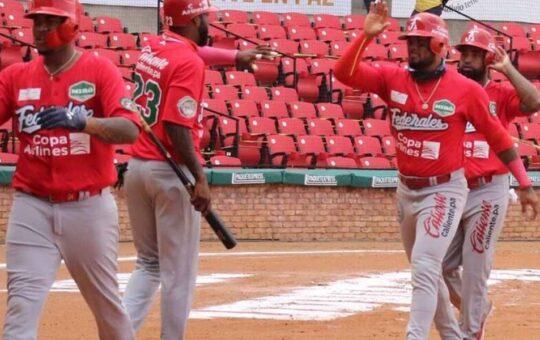 Dominicana elimina a Panamá y Jesús López de la Serie del Caribe 2021