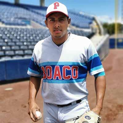 Luis Sequeira entre los 10 mejores bateadores en el despegue del Pomares 2021
