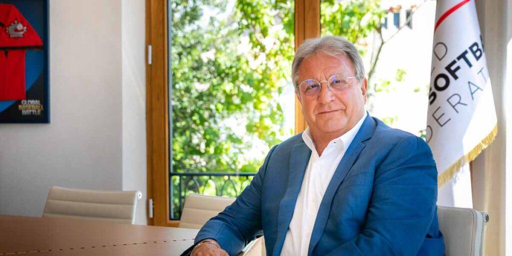 Ricardo Fraccari presidente de la WBSC