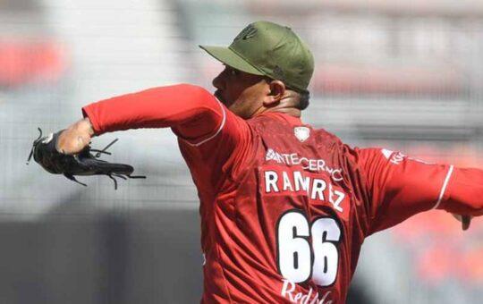 JC Ramírez victoria Pericos de Puebla