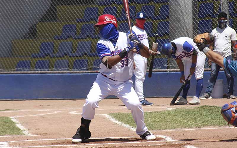 Moisés Flores mil hits